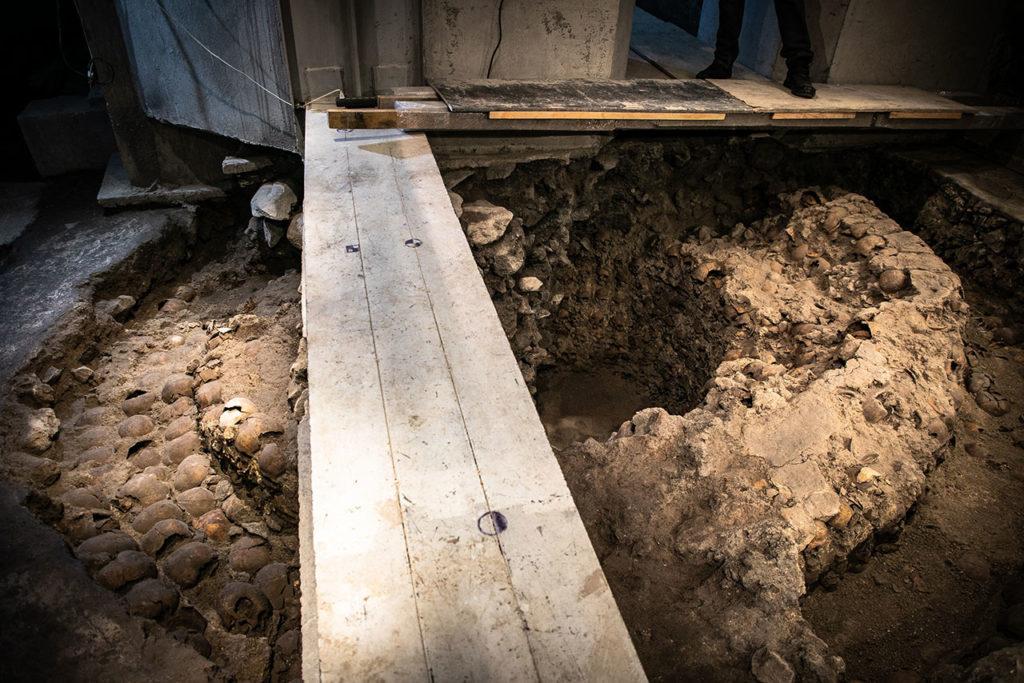 Ventanas arqueologicas Huei Tzompantli 3