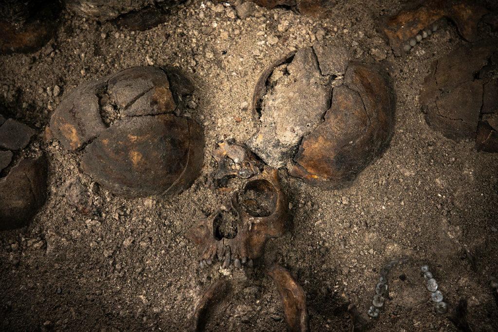 Ventanas arqueologicas Huei Tzompantli 6