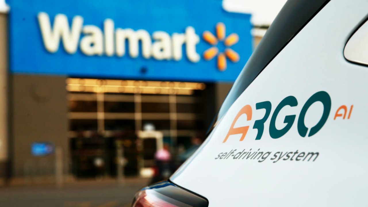 Walmart prueba entregas con vehículos autónomos con IA