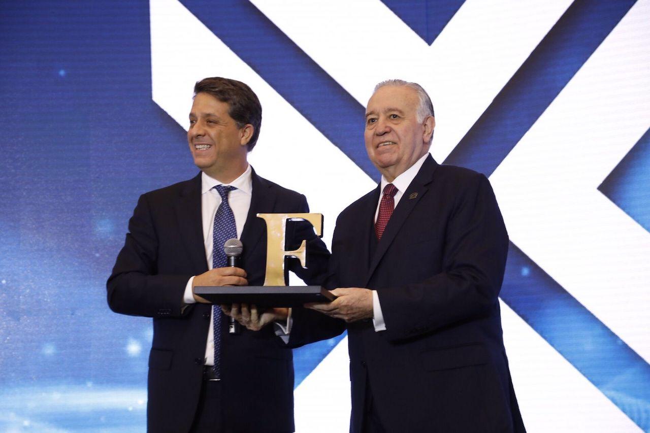 Valentín Diez Morodo recibe el Premio a la Excelencia Empresarial Forbes 2021