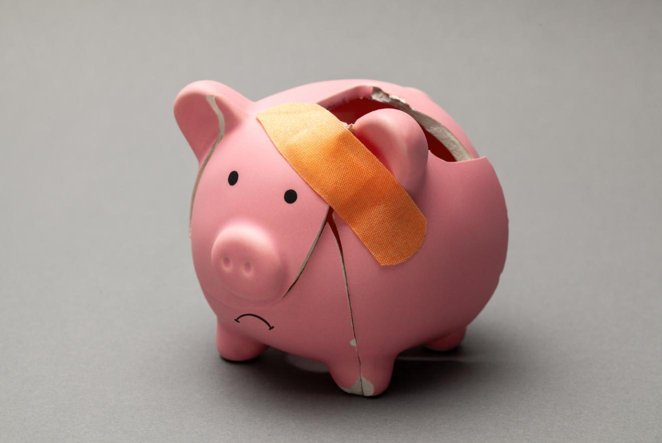 Los 4 sesgos que nos impiden ahorrar