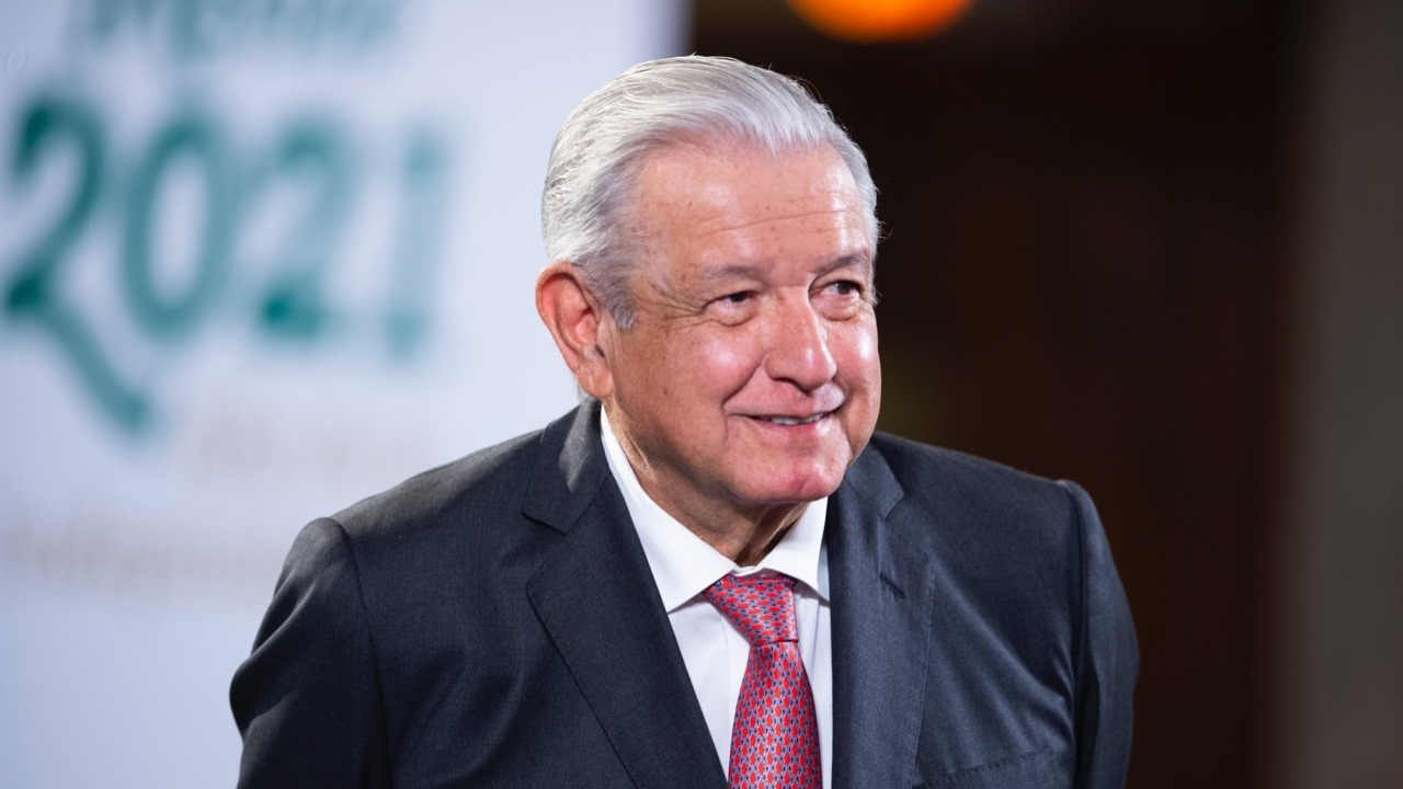 México recibe códice enviado por el papa Francisco para exposición