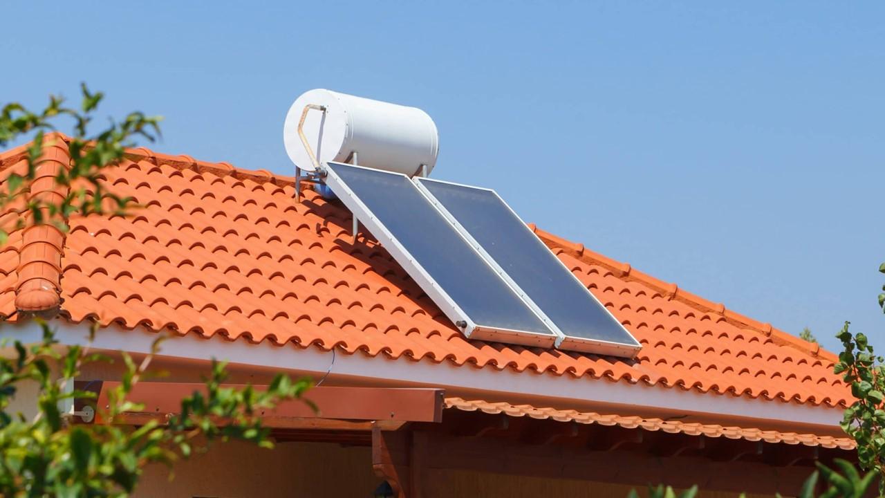 Energía solar avanza en hogares pese a desdén de gobierno
