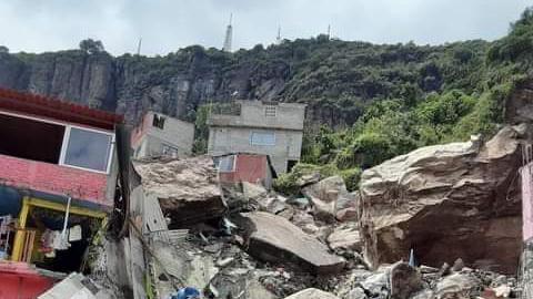 Un muerto y 10 desaparecidos por derrumbe del Cerro del Chiquihuite