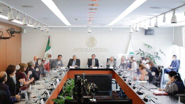 Secretario de Gobernación se reúne con líderes de bancadas del Senado