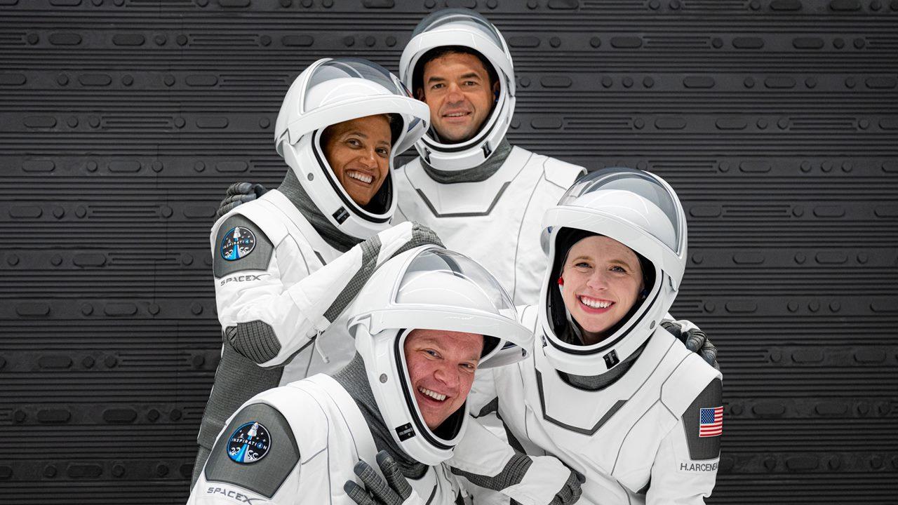 Elon Musk y SpaceX plasman en la historia el primer viaje espacial con tripulación civil