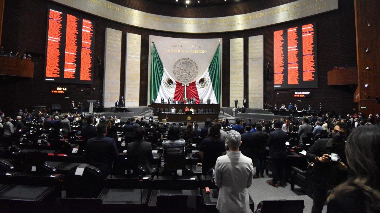 Tras 36 horas de discusión, peleas y recesos, diputados aprueban Miscelánea Fiscal; va al Senado