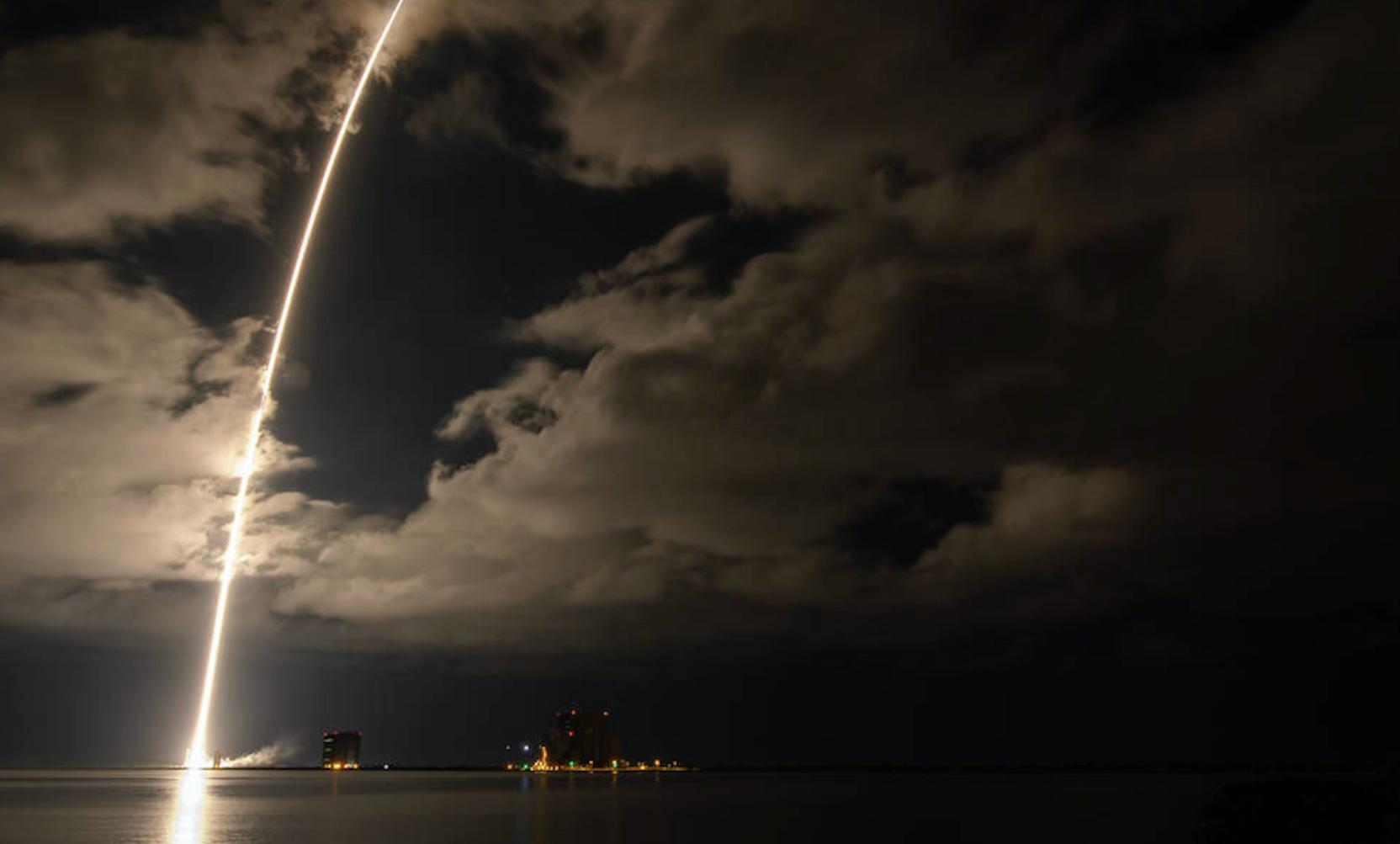 NASA lanza misión Lucy para explorar los asteroides de Júpiter