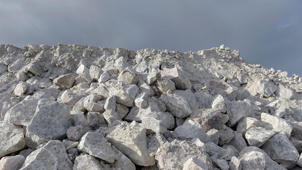El litio debe quedar bajo dominio de la Nación, no se se dejará al mercado: AMLO