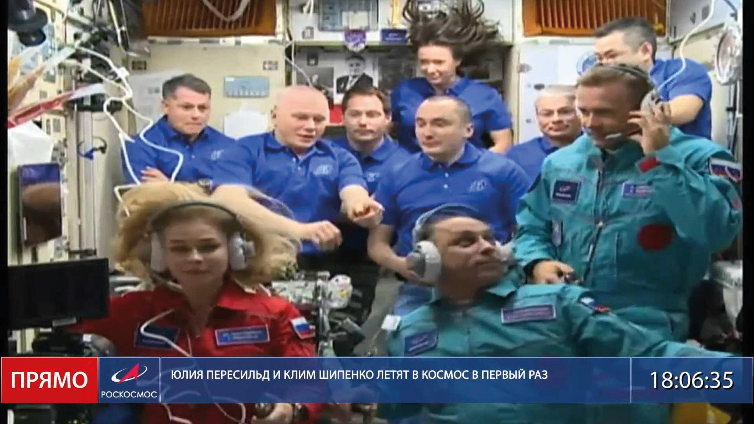 Nave con actores llega a la EEI a filmar la primera película en el espacio