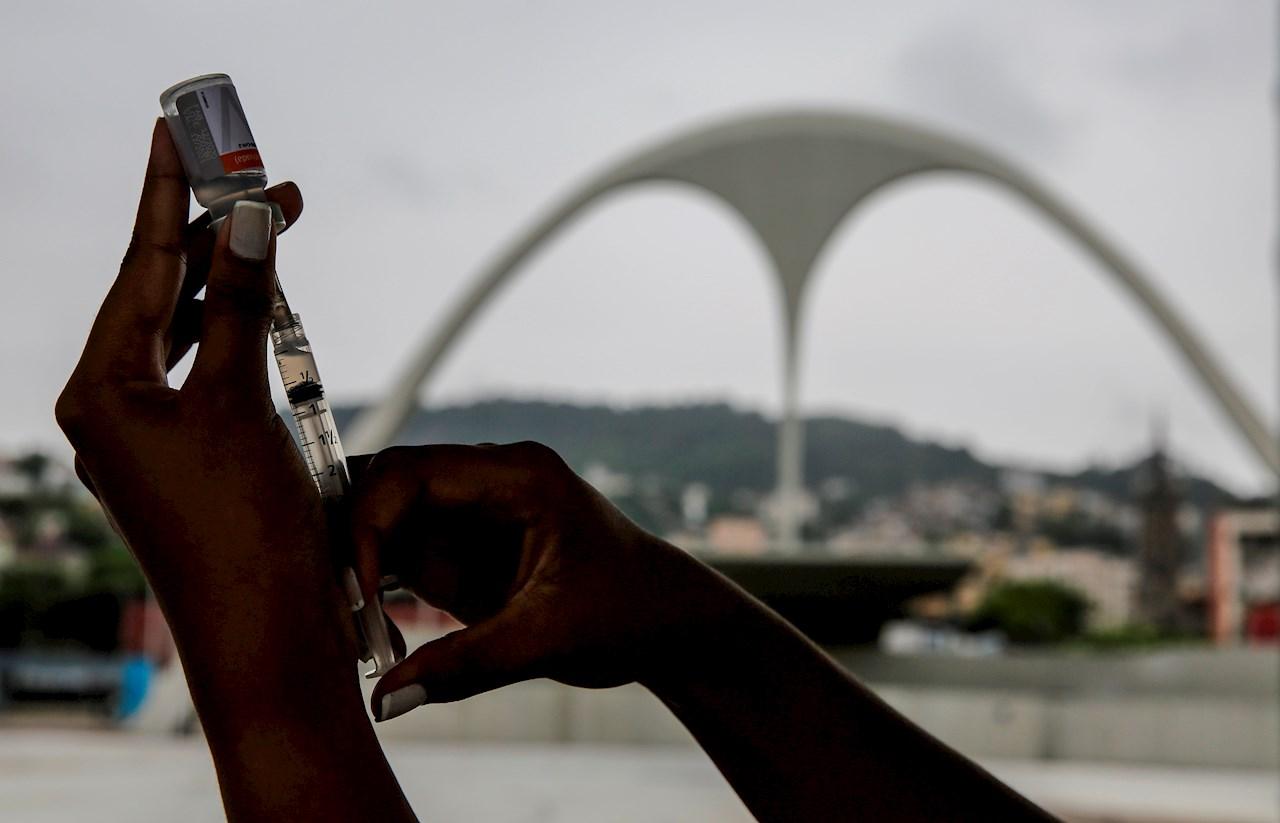 Brasil prevé descontinuar la vacuna de Sinovac contra Covid-19 en 2022