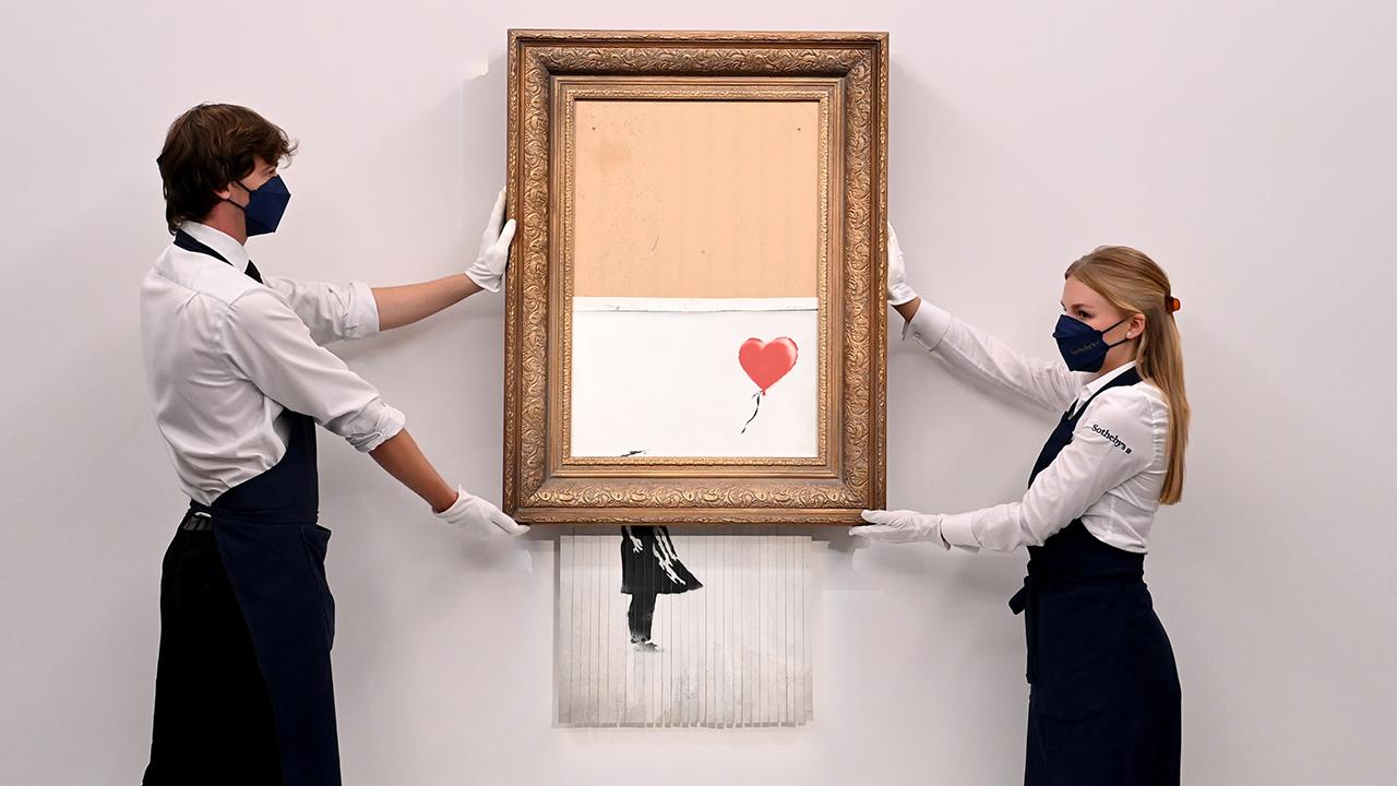 El Banksy triturado es subastado en 25.4 mdd en su regreso a Sotheby's