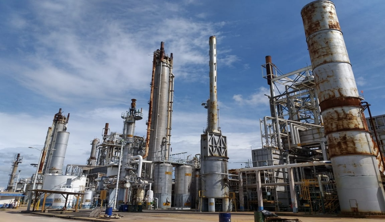 Industria química pide no ser incluida en acuerdos comerciales con China: 'es imposible competir'