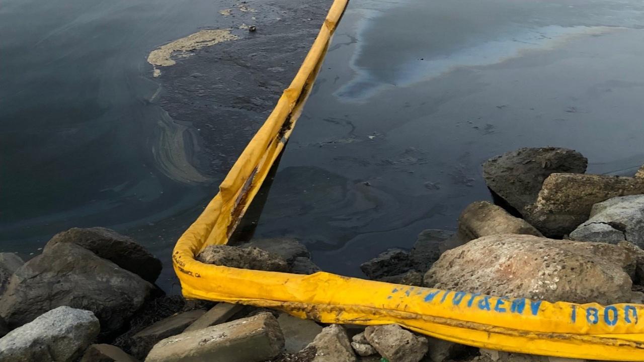 Derrame de petróleo en California es uno de los peores desastres en décadas