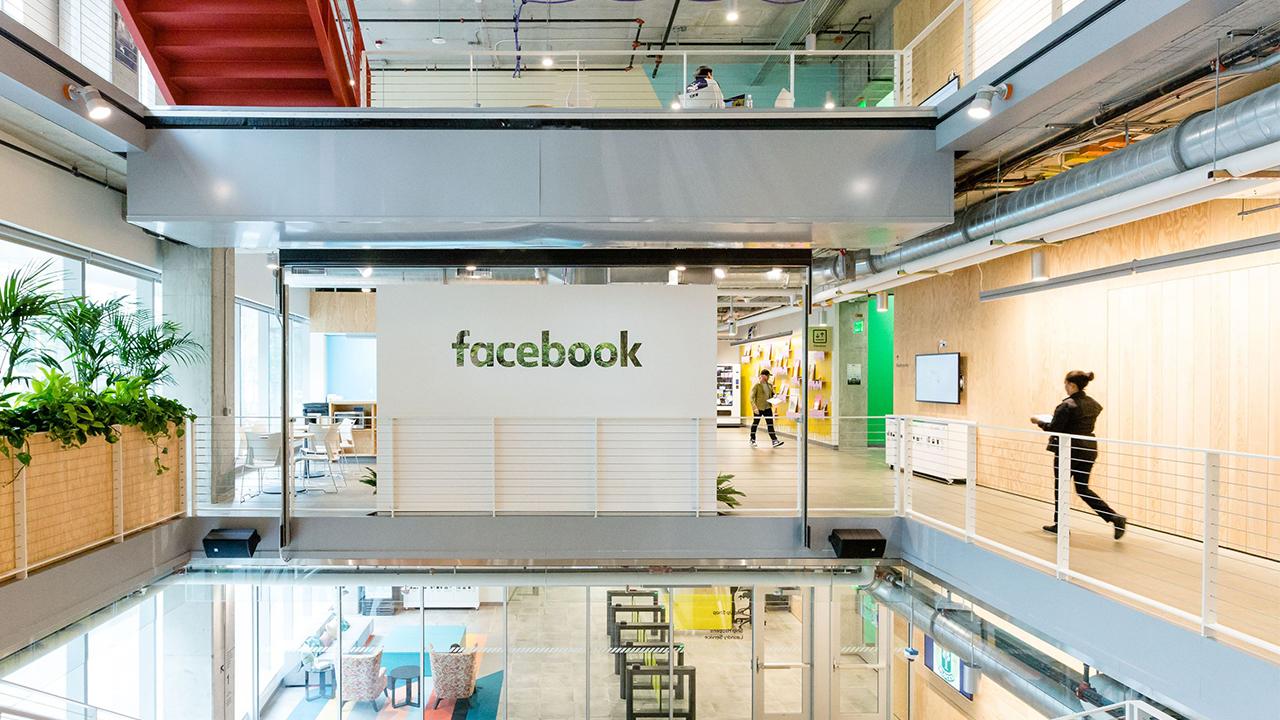Facebook alcanza un acuerdo sobre derechos afines con diarios franceses