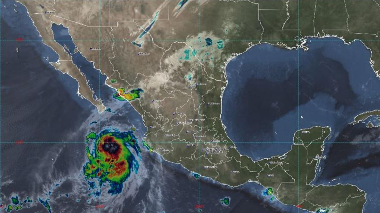 SMN declara alertas en 55 municipios por el huracán Pamela