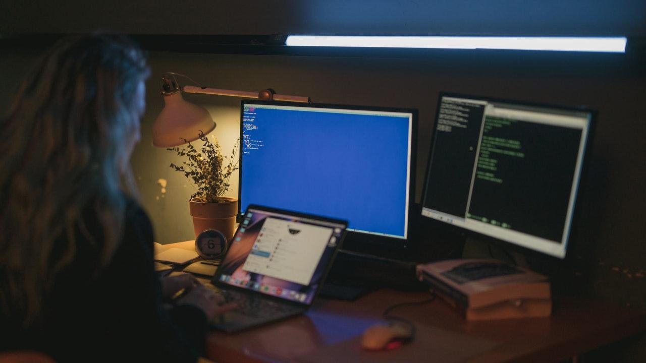 Sólo 25% de quienes trabajan en tecnología son mujeres: BID