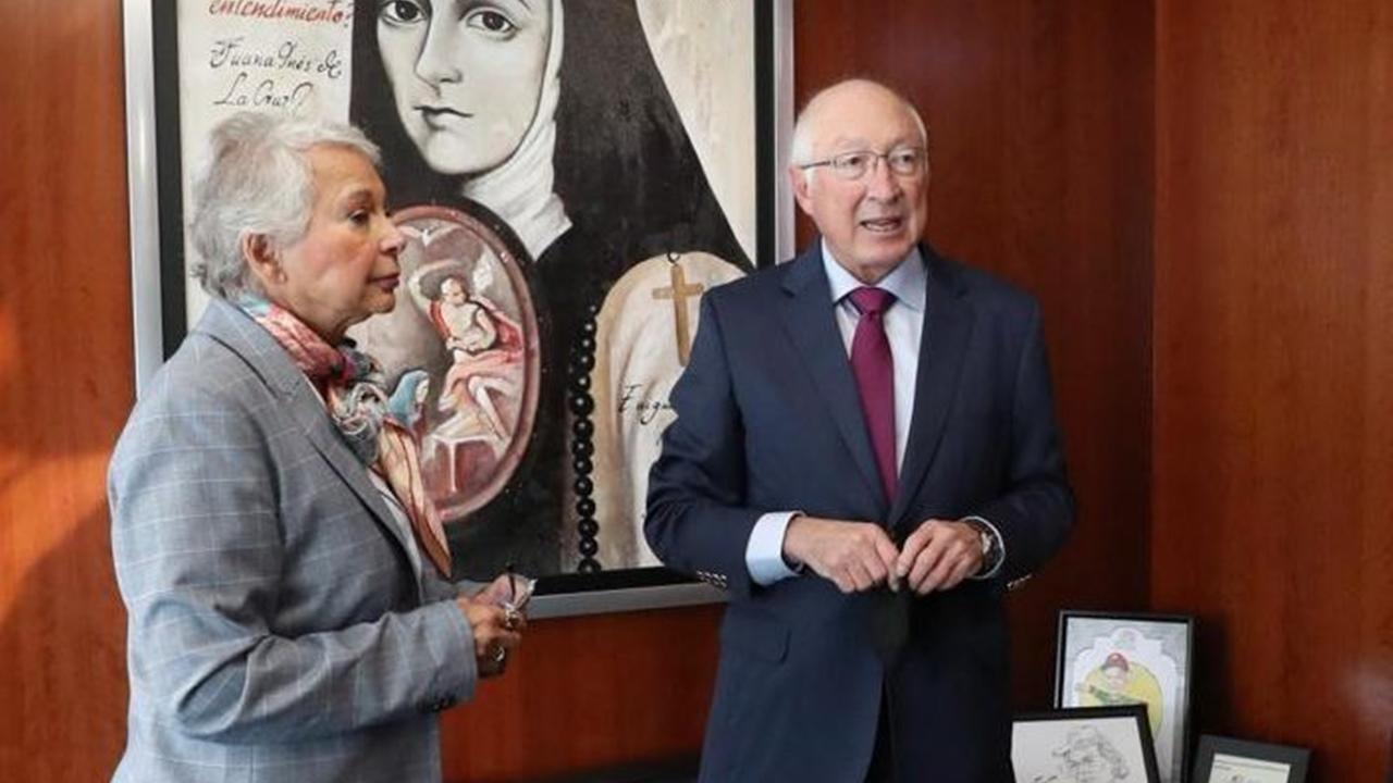 Embajador de EU, Ken Salazar, se reúne con morenistas en el Senado
