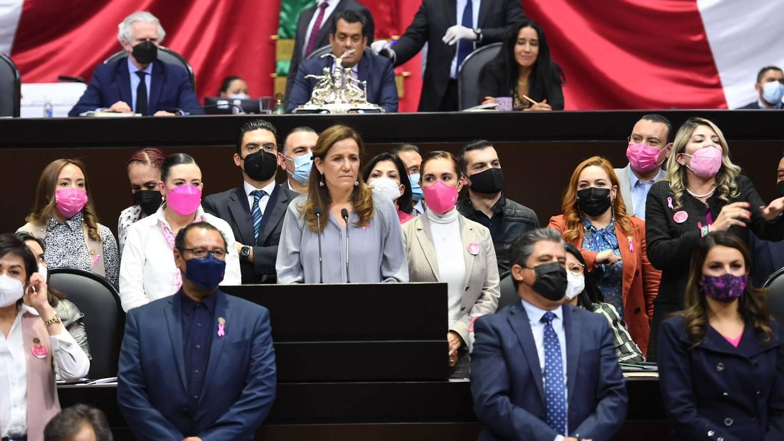 Oposición acusa violencia de género contra Margarita Zavala; morenistas lo niegan