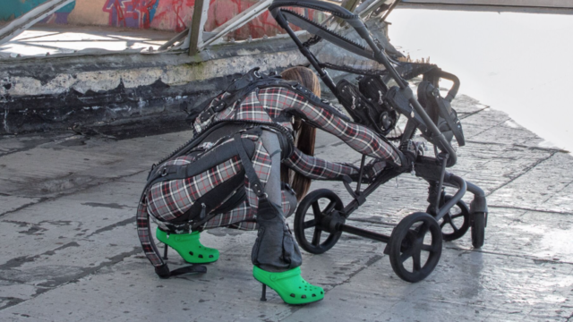 Las Crocs de tacón están entre nosotros: Balenciaga lo hizo posible