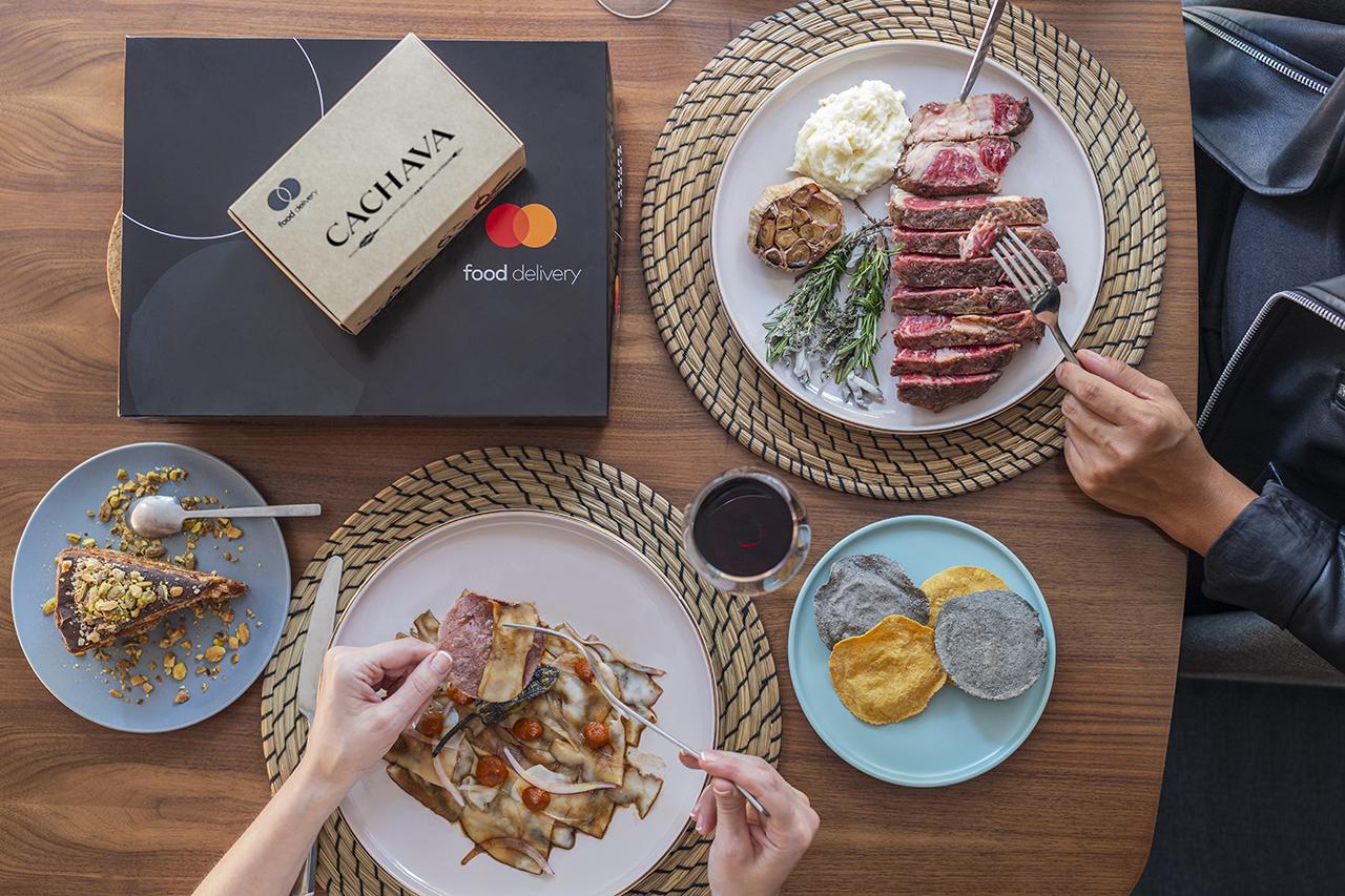 Tus sabores favoritos en casa con Food Delivery by Mastercard y Grupo Carolo