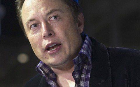 Elon Musk abre startup para fusionar la inteligencia artificial con la humana