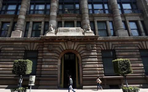 Banxico decide aumentar su tasa de referencia y llevarla hasta 6.50%