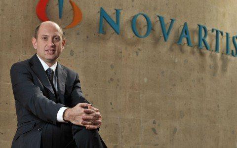 Novartis seguirá vendiéndole al gobierno, pese a recorte en salud