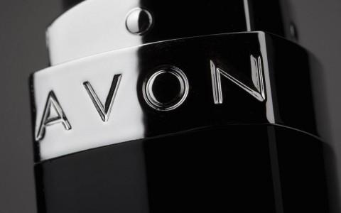 Gadgets y catálogos online, la estrategia de Avon para reclutar millennials