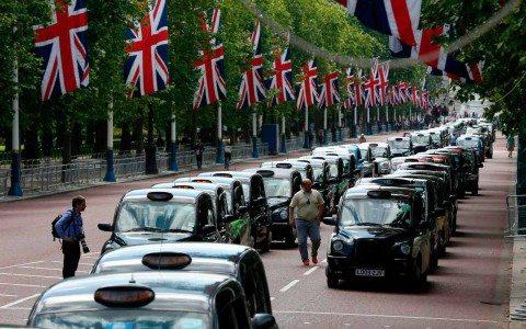 Triunfa el Brexit con 52% de los votos; Cameron dejará el cargo