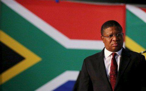 Sudáfrica confirma pago de 10 mdd a funcionario de la FIFA