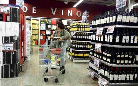 En picada, confianza del consumidor cae 9% anual en noviembre