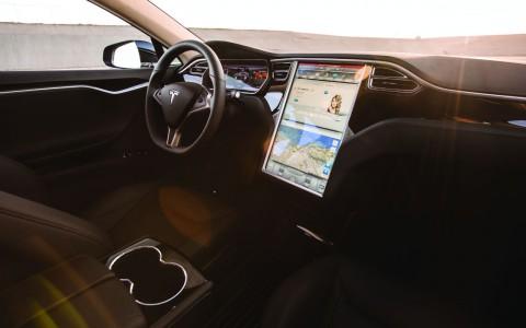 GM, Toyota y Lyft exigen a EU regulación nacional para autos autónomos