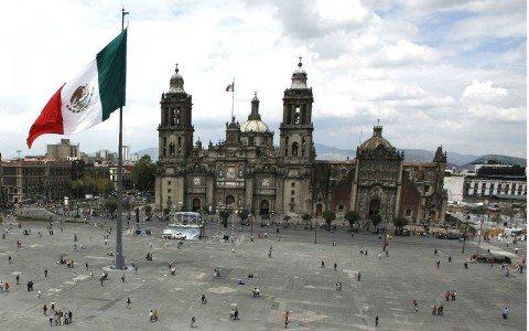 Moody's prevé menor crecimiento de México por planes de Trump