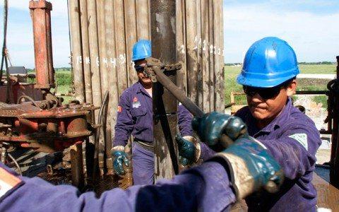 Explosión en refinería de Pemex suma cuatro muertos
