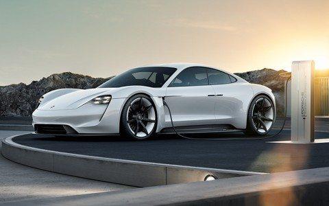 Porsche inaugura electrolinera en el puerto de Veracruz