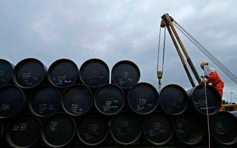 Precios del petróleo avanzan ante posible ajuste al acuerdo de OPEP