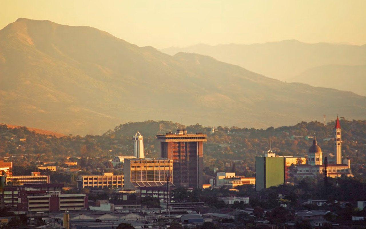 Gobierno salvadoreño quiere retomar diálogo con partidos políticos