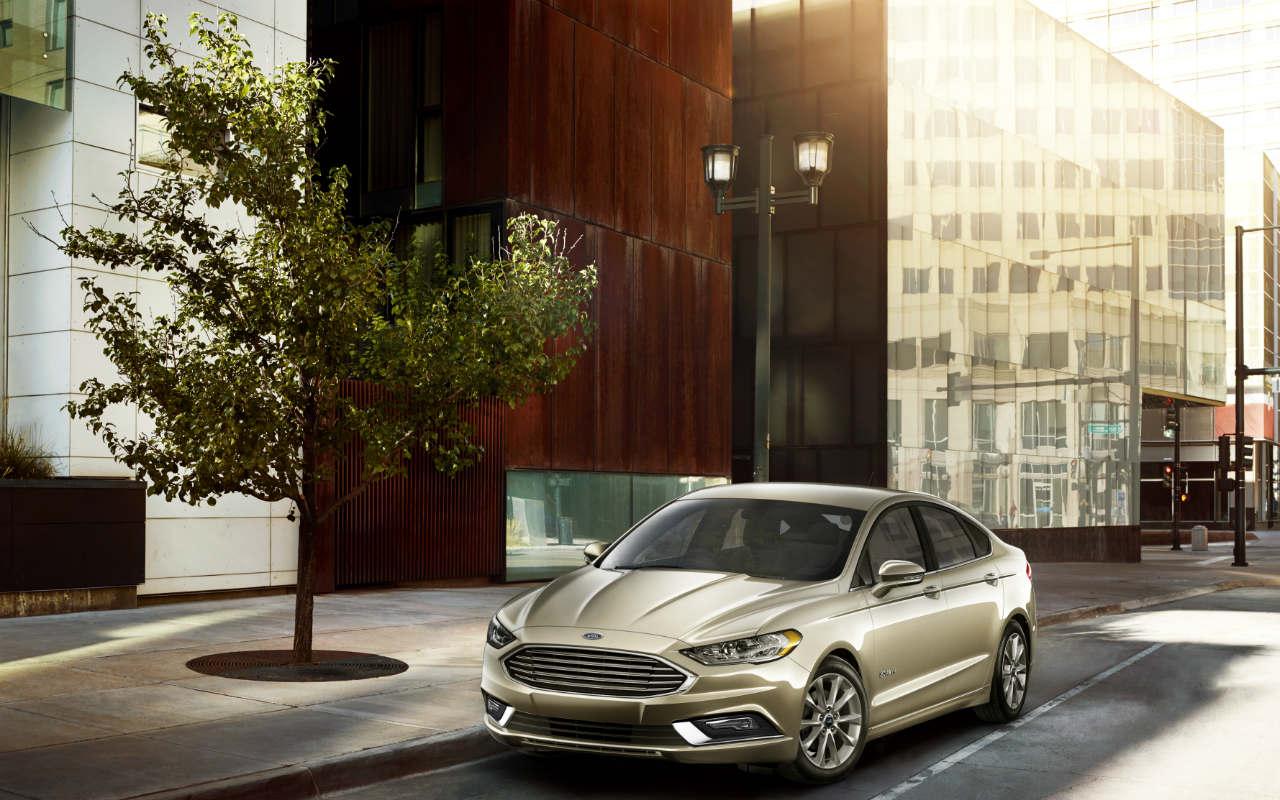 Ford pone a la venta su primer auto híbrido en México