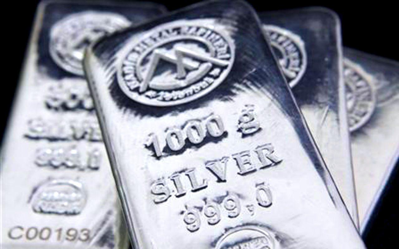 Antes de invertir en plata conviene saber cómo y para qué