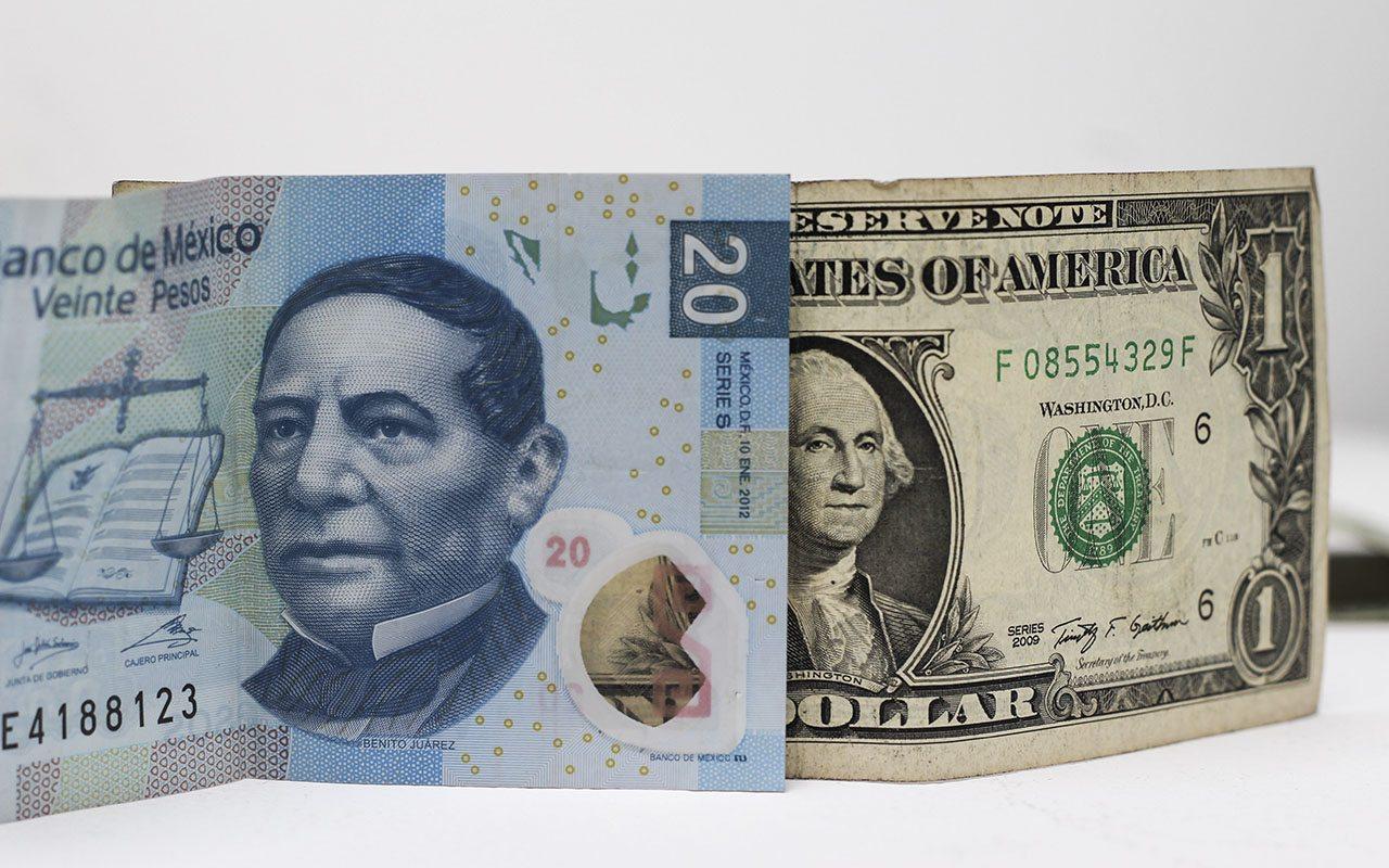 Anuncio del Banxico empuja al dólar a barrera de los 20 pesos