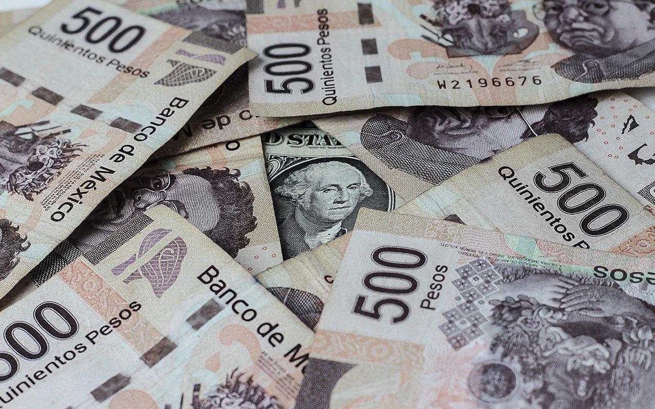 Peso se anota avance semanal de 2.64% frente al dólar