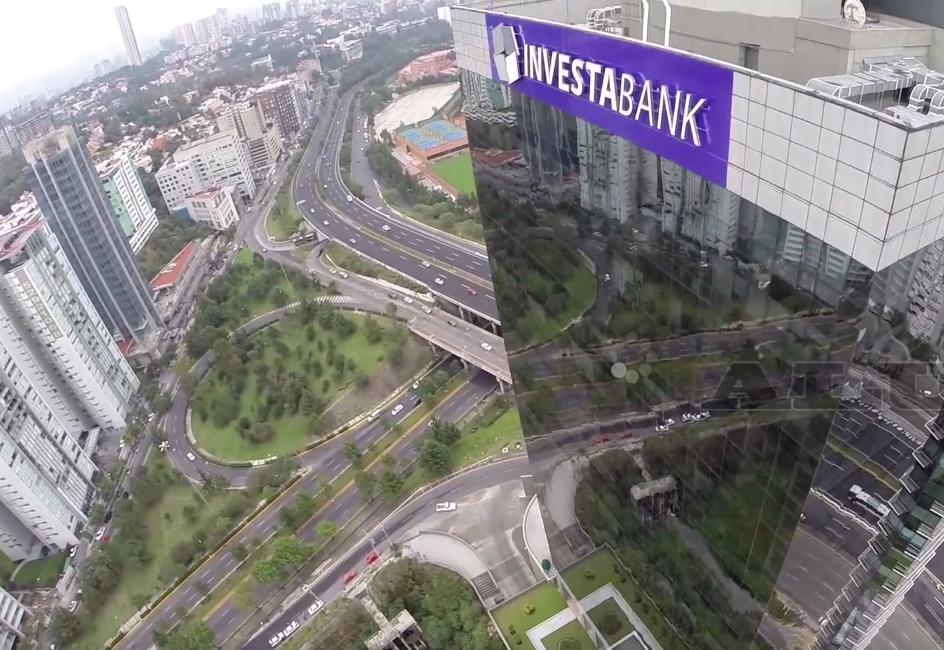 Detienen a socio de InvestaBank en EU por lavado de dinero