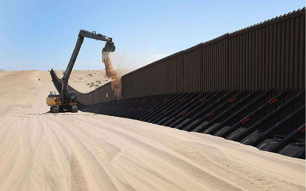 Traidores, mexicanos que ayuden a construir el muro: Iglesia