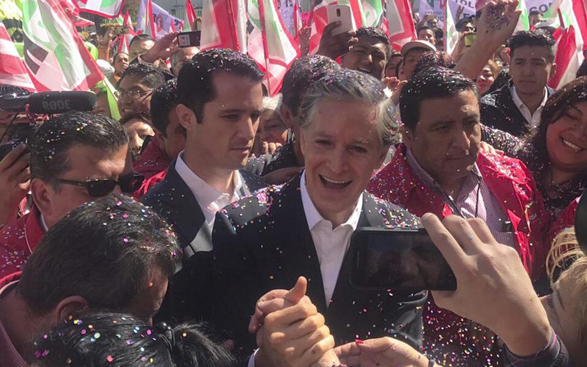 Del Mazo registra su candidatura para la gubernatura del Edomex