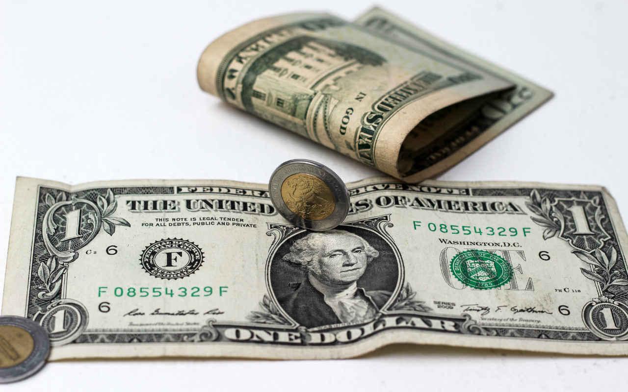 Dólar spot alcanza los 19.87 pesos por Banxico