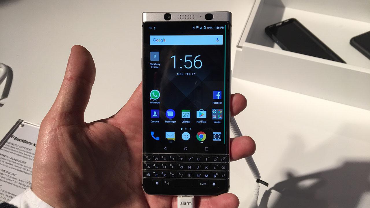BlackBerry presenta un nuevo teléfono con el mismo viejo teclado