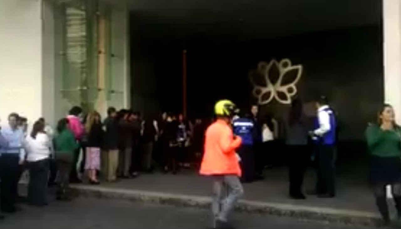 Corporativo Antara es evacuado por presunta fuga de gas