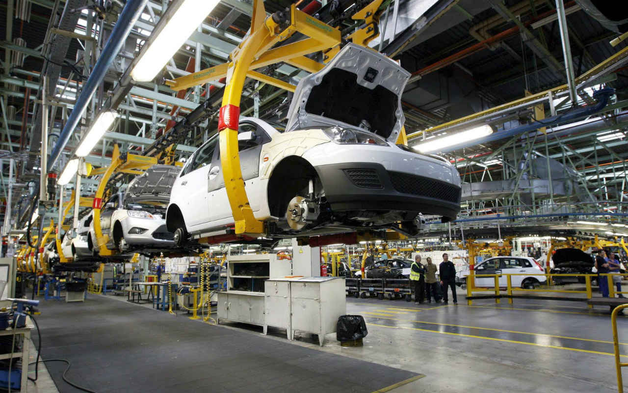 Exportaciones de autos en México caen 0.7% en enero