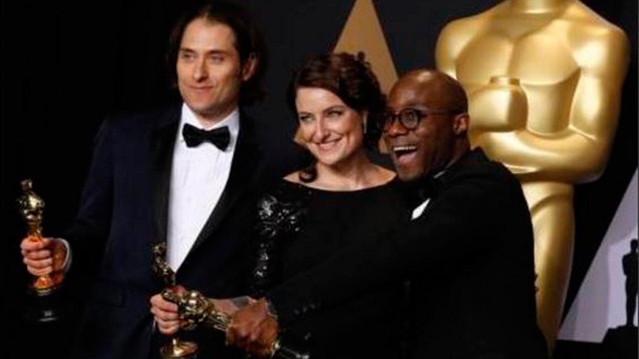 Tras error en la entrega, Moonlight obtiene Oscar a mejor película